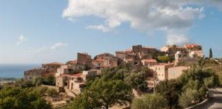 Il paese di Pigna, in Corsica