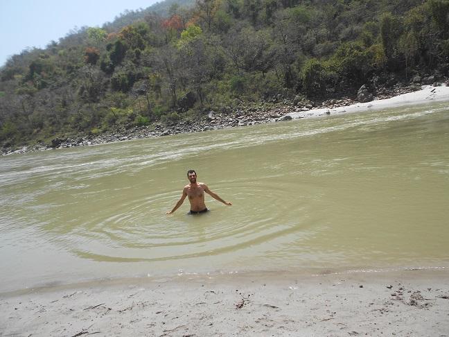 Il ritorno in india e la visita a rishikesh la citt dei - Bagno nel gange malattie ...