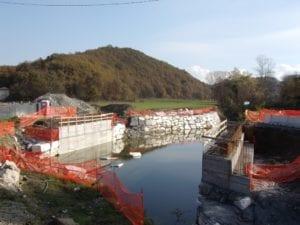 Il cantiere del ponte sul Neirone a Gavi