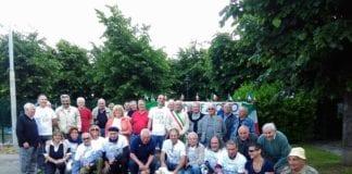 Il gruppo di Rispetto Bosio con il sindaco Stefano Persano sabato mattina in piazza 1° Luglio
