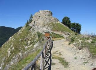 I ruderi del castello di Carrega