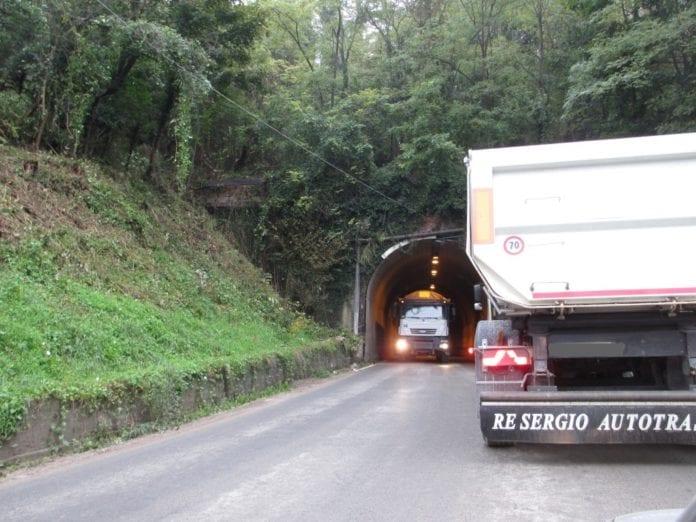 La galleria della Crenna tra Gavi e Serravalle Scrivia