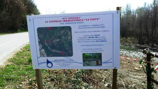 Il cartello sistemano dalla Noviconsult in località Pieve, a Silvano