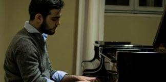 Il pianista Simone Ivaldi