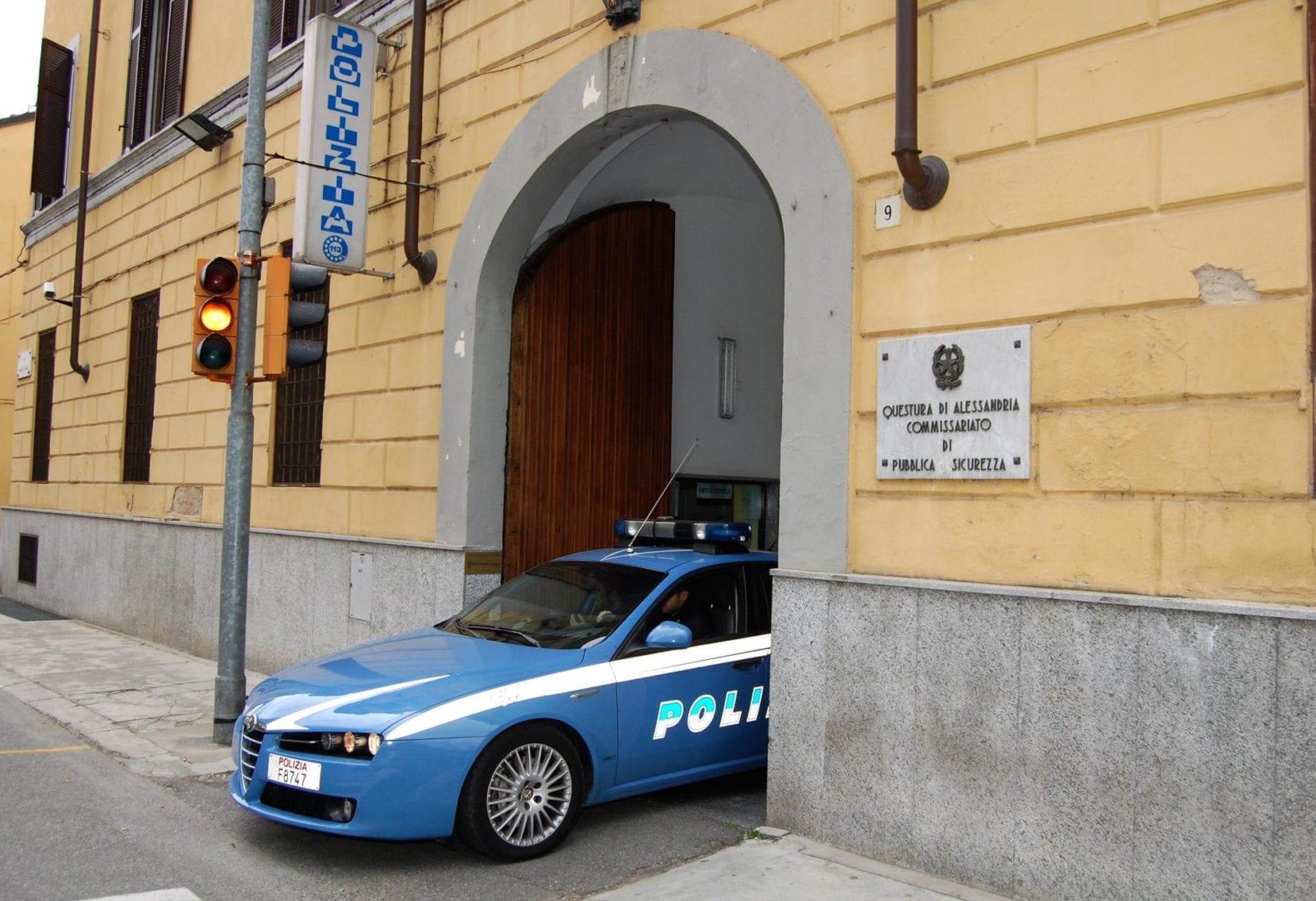 Ovada la questura arresta un giovane italiano per for Questura alessandria permesso di soggiorno