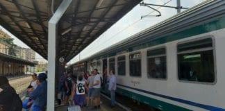 treni fermi a Tortona per l'incendio