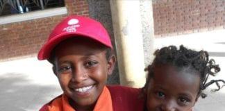 bimbi di Addis Abeba aiutati da Massi on the road