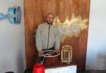 Denis Dappero ex barista dell'outlet, oggi creatore di oggetti d'arte