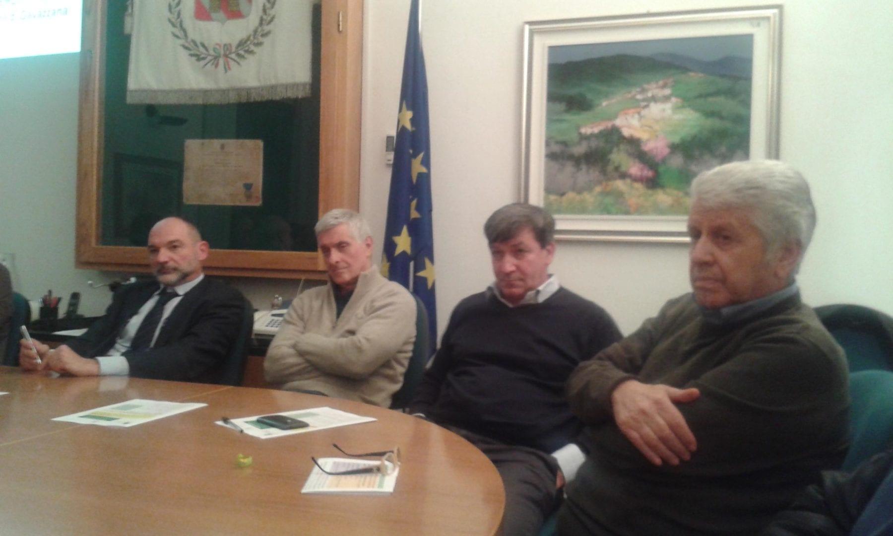 gavazzana assemblea fusione (Giancarlo Vaccari primo da destra)