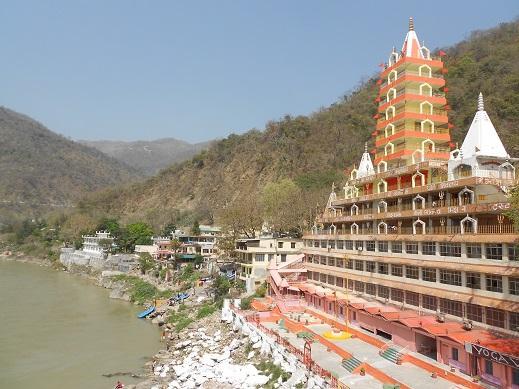 Ganga aarati in riva al fiume