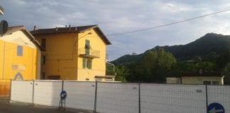 Il cantiere in piazza Marconi, a Gavi.