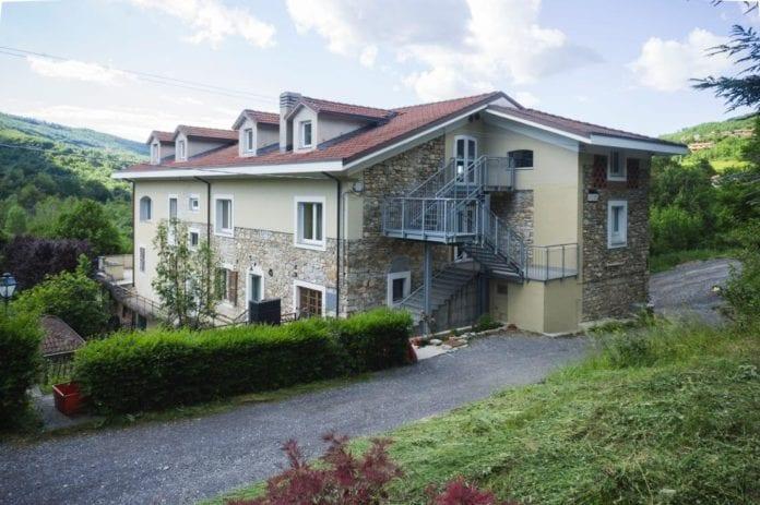 Casa Forme, a Centrassi, Cabella Ligure, dove è attiva la scuola parentale dei sahaja yoga